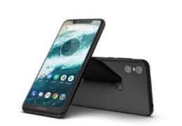 Do prodeje půjde první model Motoroly s výřezem a příslibem Androidu Q