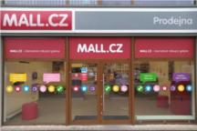 Mall se rozšiřuje. Otevírá novou specializovanou prodejnu a chystá akci na iPhone